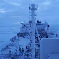 Icebreaking LNG carrier violates Northern Sea Route rules